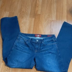 NWOT. LUCKY BRAND JEANS SZ.8